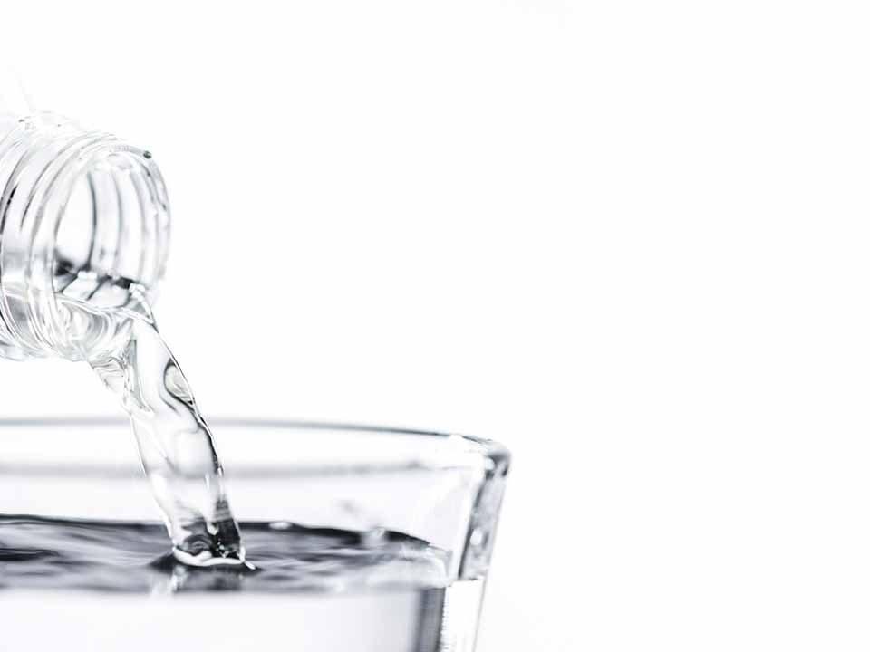 Cistitis e hidratación. Cómo limpiar las vías urinarias